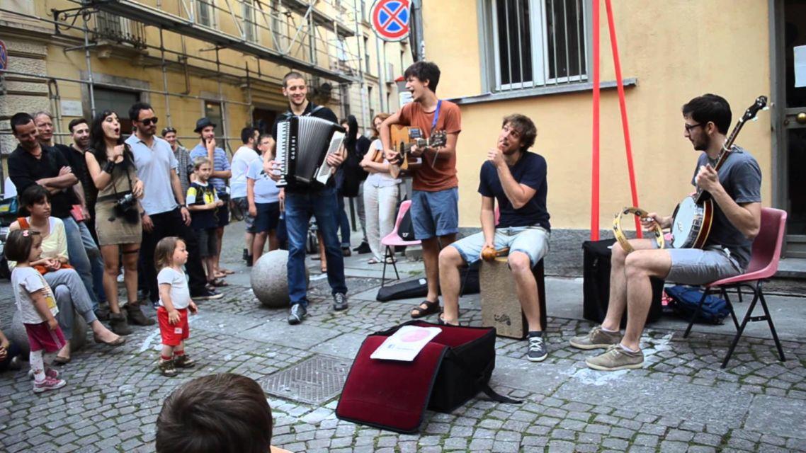 Una band, un singolo, un videogame: Eugenio in Via di Gioia