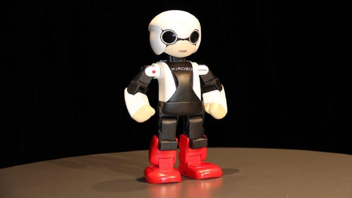 Kirobo Mini, il nuovo robot della casa automobilistica Toyota