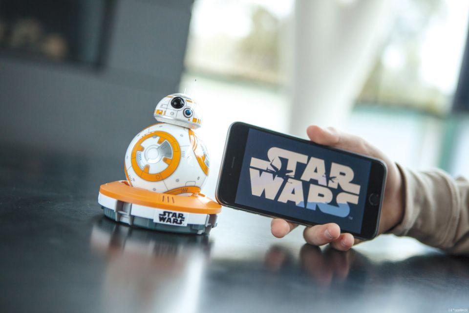 Il nuovo droide di Star Wars si chiama Sphero BB-8BB-8 ed è accessibile a tutti