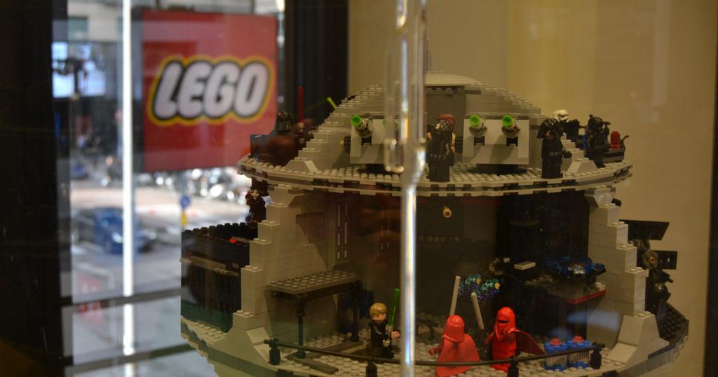 Lego store milano il pi grande negozio di mattoncini ora for Lago outlet milano