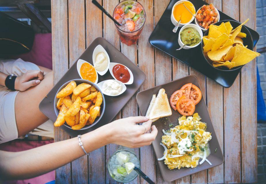 E' Stin Jee la food app rivelazione: ti fa risparmiare sul conto dei ristoranti.