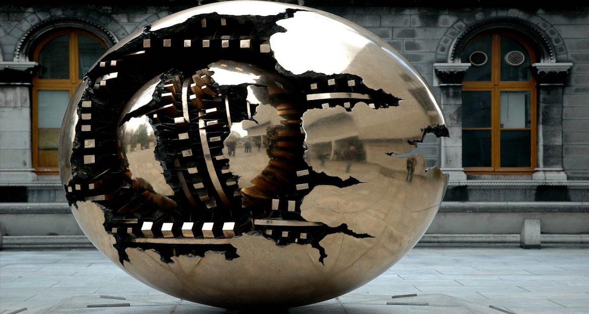 Arnaldo Pomodoro: in mostra a Milano in vari luoghi della città