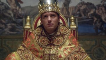 Sono state svelate le prime immagini di The Young Pope, l'attesa serie tv di Sky diretta dal premio Oscar Paolo Sorrentino con Jude Law nei panni di Lenny Belardo, alias Pio XIII, primo Papa americano della storia. ANSA/UFFICIO STAMPA SKY +++ ANSA PROVIDES ACCESS TO THIS HANDOUT PHOTO TO BE USED SOLELY TO ILLUSTRATE NEWS REPORTING OR COMMENTARY ON THE FACTS OR EVENTS DEPICTED IN THIS IMAGE; NO ARCHIVING; NO LICENSING +++