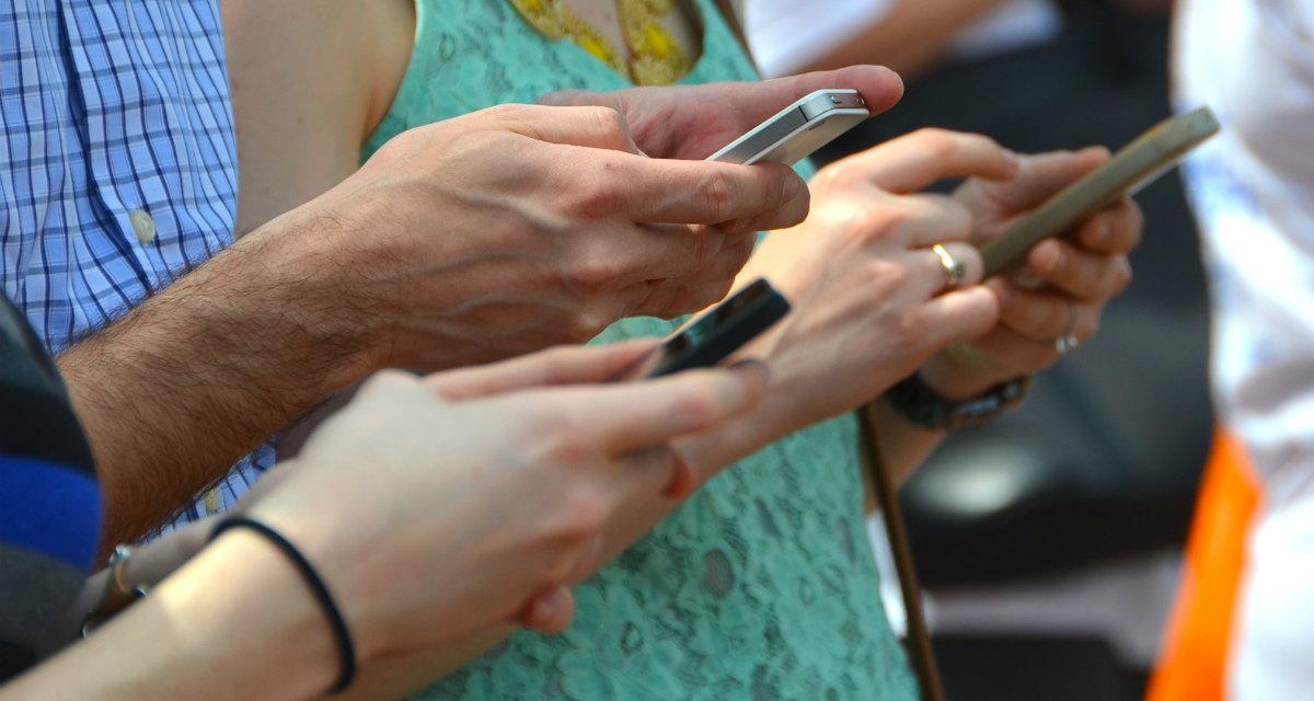 """WhatsApp Chat: sarà possibile mandare messaggi anche da """"offline"""""""