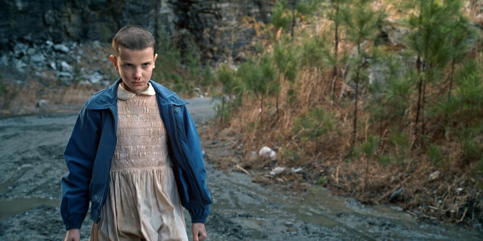 Eleven in una scena del telefilm