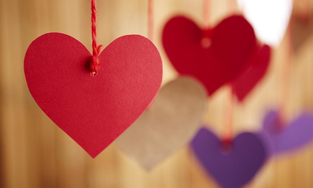 Auguri San Valentino 2017: frasi d'amore, immagini e video da inviare