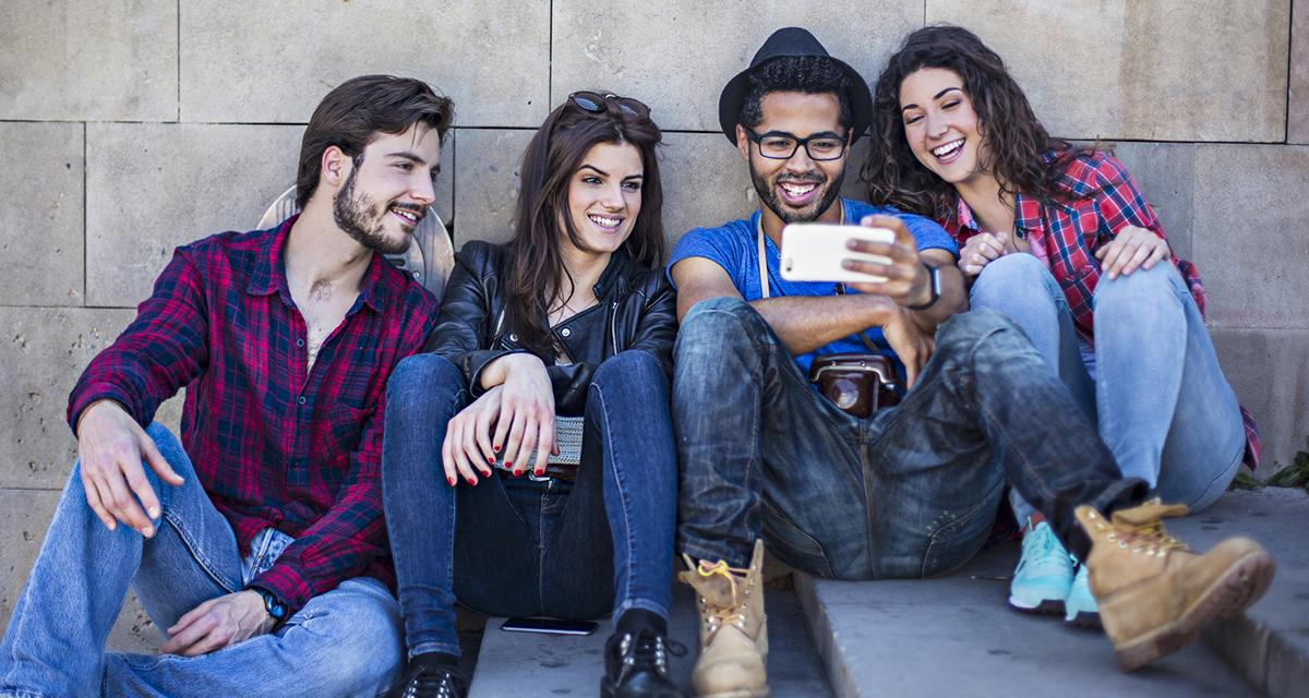 Social Media Trend della settimana: quante Storie! Whatsapp, trasferire soldi con Facebook, e molto altro