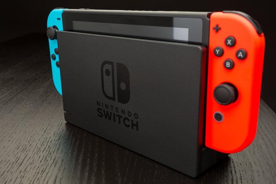 Mercato console videogiochi: boom di vendite per Switch, seconda Xbox One