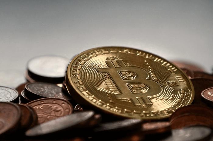 Bitcoin: in arrivo nuove criptovalute, da Starbucks a Telegram
