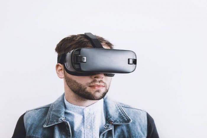 HoloSuit, arriva da novembre la tuta realtà virtuale
